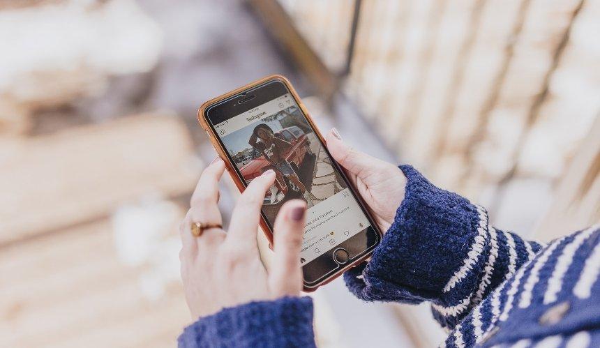Instagram обяжет пользователей указывать дату своего рождения