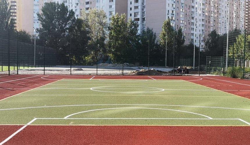 НаПозняках завершают строительство нового стадиона: что уже сделали