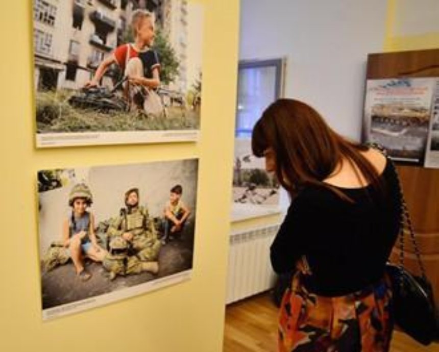 В Киеве открылась выставка фотографий с Донбасса
