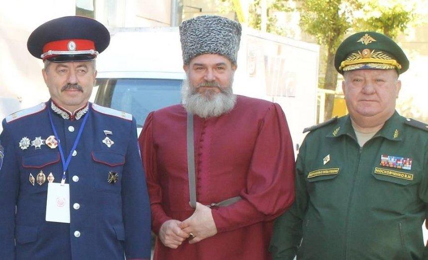 """""""Козак"""" та """"антифашист"""": на київському Подолі спокійно живе поплічник проросійських терористів"""
