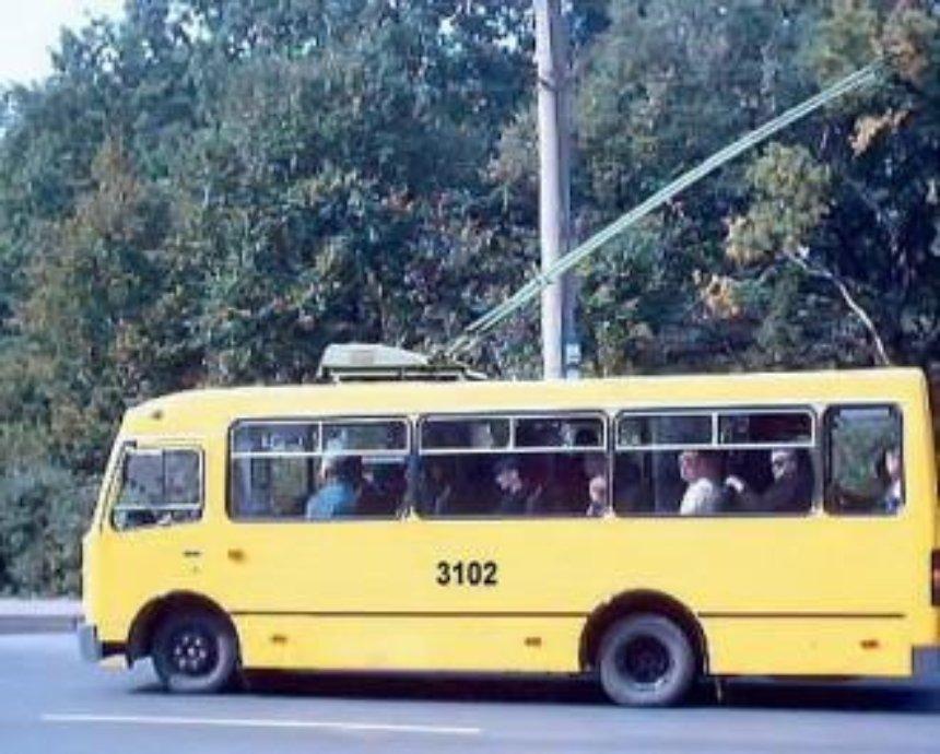 """В аэропорт """"Киев"""" поедет новый троллейбус"""