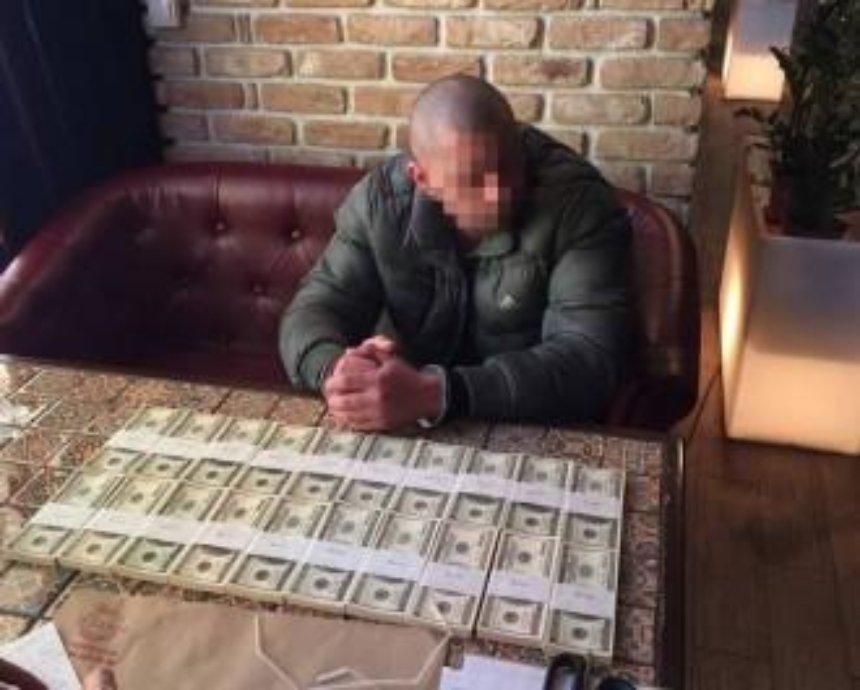 Ціна свободи: колишні правоохоронці вимагали 200 тисяч доларів від обвинуваченого у вбивстві