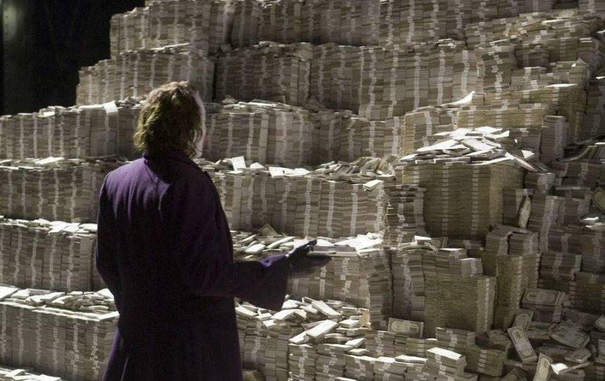 Ограбление на миллион: у киевлянки из дома вынесли огромную сумму денег