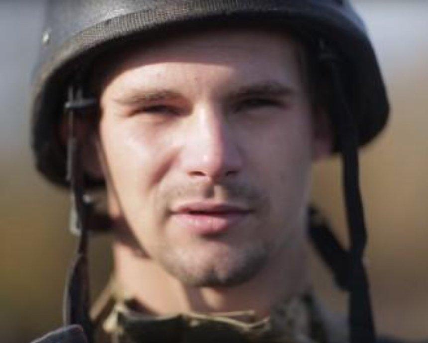 """""""Я тут"""": волонтеры записали на видео монологи солдат с передовой"""