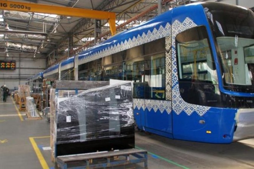 Польское издание показало построенные для Киева трамваи (фото)