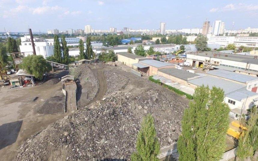 Кличко рассказал, что произойдет с асфальтным заводом на Оболони
