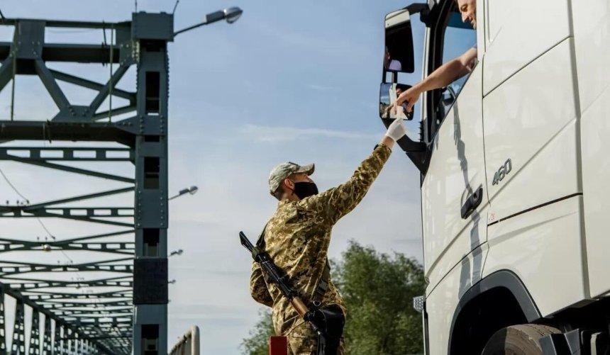 Беларусь закрыла границы сУкраиной, Польшей, Литвой иЛатвией