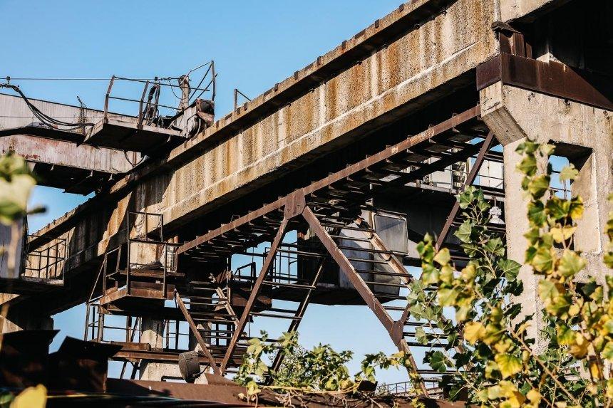 «Это наши легкие, глаза икожа»: как цементный завод наГолосеево отравляет весь район