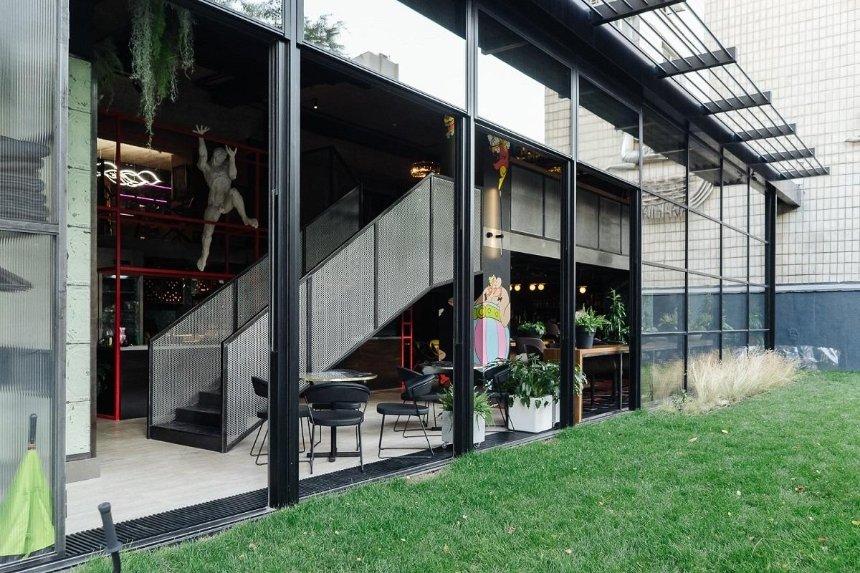 Новое место: ресторан Eastman возле «Олимпийской»
