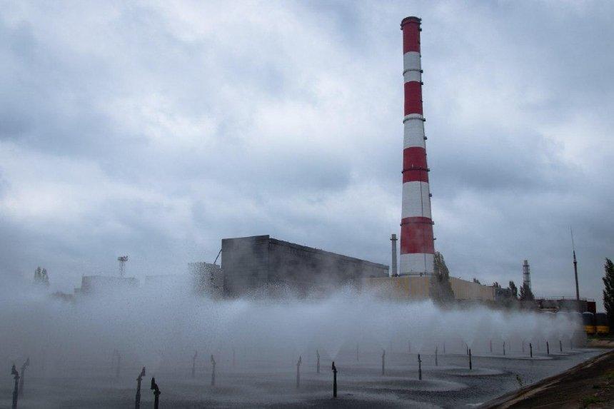 270-метровую дымовую трубу на киевской ТЭЦ-6 отремонтировали впервые за 30 лет