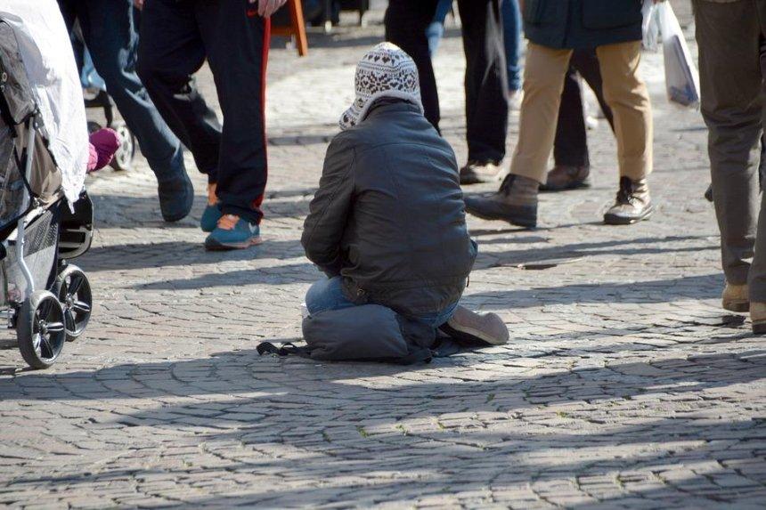 Зимой бездомных Киева обеспечат питанием, теплой  одеждой и обувью