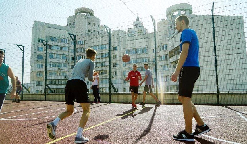 Накрыше университета Гринченко разместили спортплощадки: как они выглядят