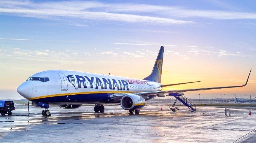Авиакомпания Ryanair отменила 37 рейсов из Киева: список