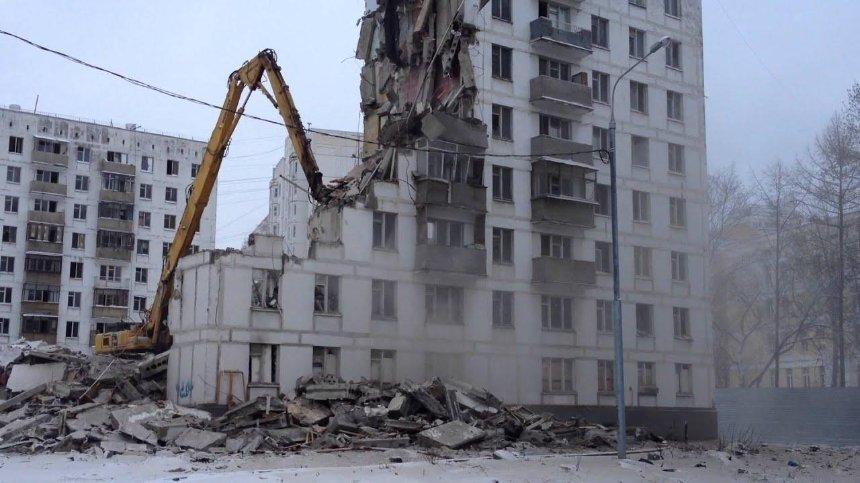 Суд обязал застройщика снести незаконную многоэтажку на Соломенке