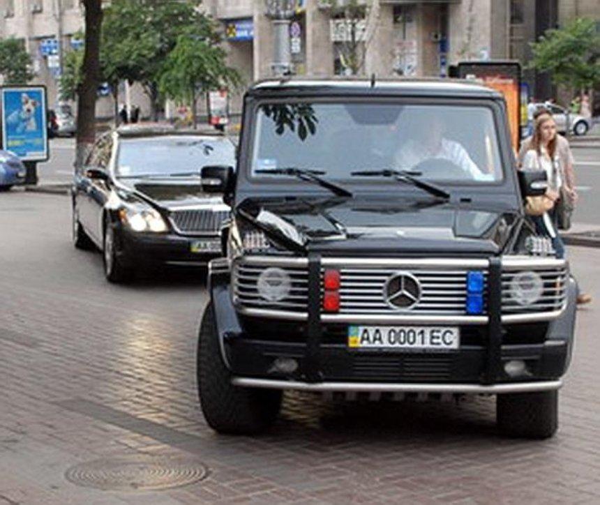 Правительство хочет разрешить водителям в Украине выбирать любые комбинации номерных знаков