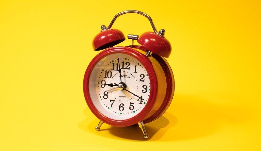 Переход назимнее время: когда икуда переводить стрелки часов