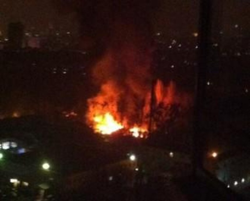 В Киеве пожар рядом с киностудией Довженко (фото)