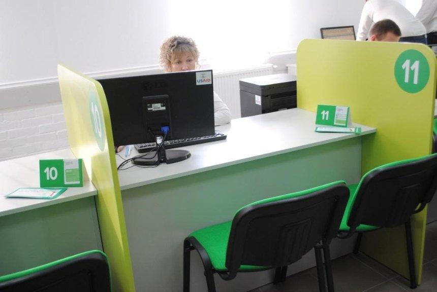 Быстро и комфортно: вместо проблемного МРЭО на Столичном открыли современный сервисный центр