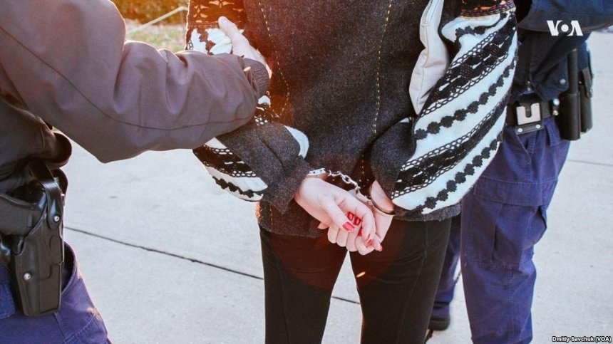 В США украинку арестовали за протест против российского концерта