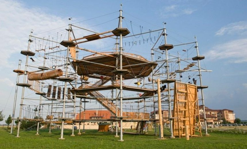 На Троещине появится веревочный парк