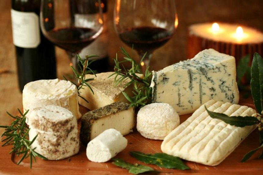 """""""Happy Cheese Day!"""": напередодні Нового року  """"Лавра"""" влаштує свято сиру"""