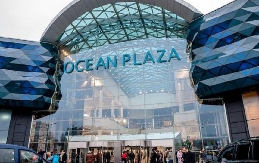 Из Ocean Plaza эвакуируют людей: в торговом центре произошло задымление (видео)