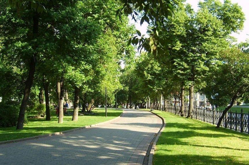 В двух районах Киева обустроят новые скверы и парки
