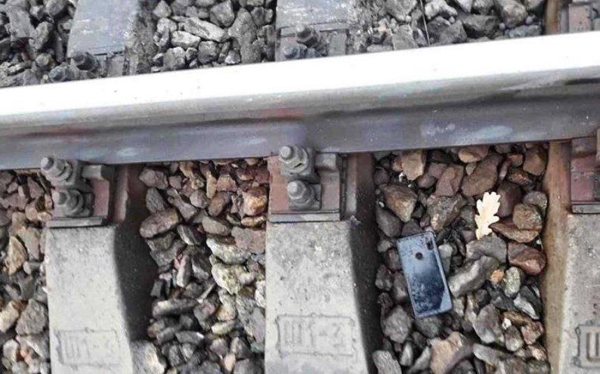 Под Киевом два человека погибли под колесами поезда