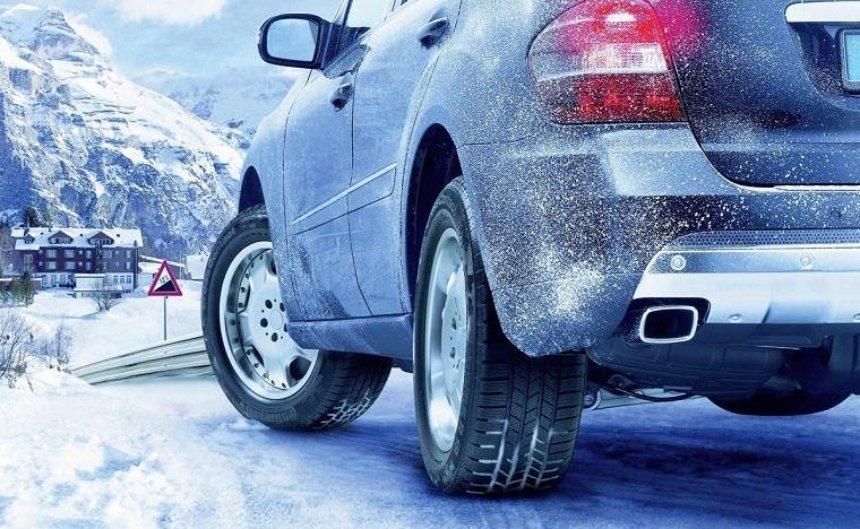 Водителям напомнили, что пора переходить на зимние шины