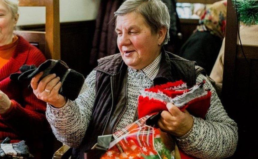 Мешканцям столиці пропонують стати «таємними Сантами» для нужденних