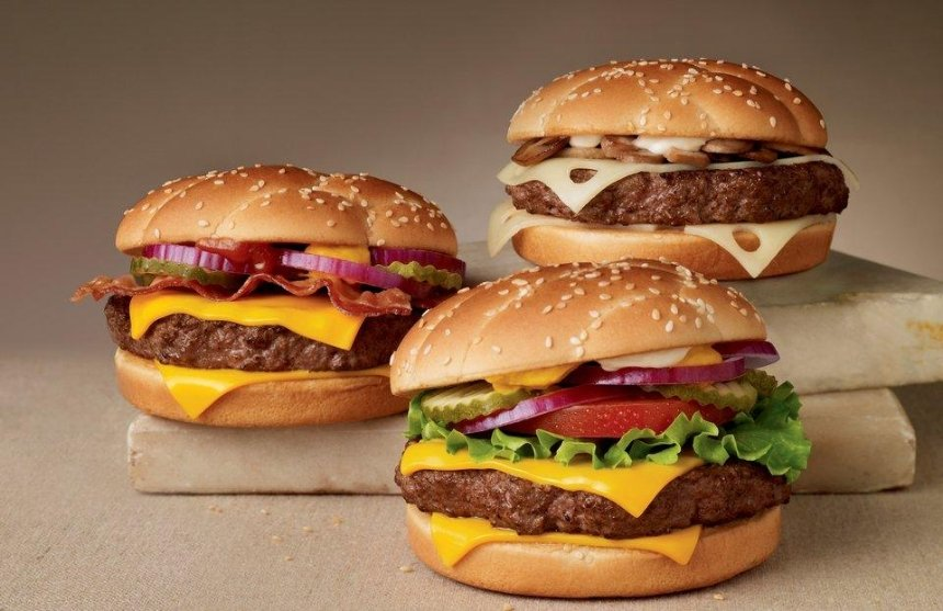 На любой вкус: в«МакДональдс» теперь можно менять начинку бургеров
