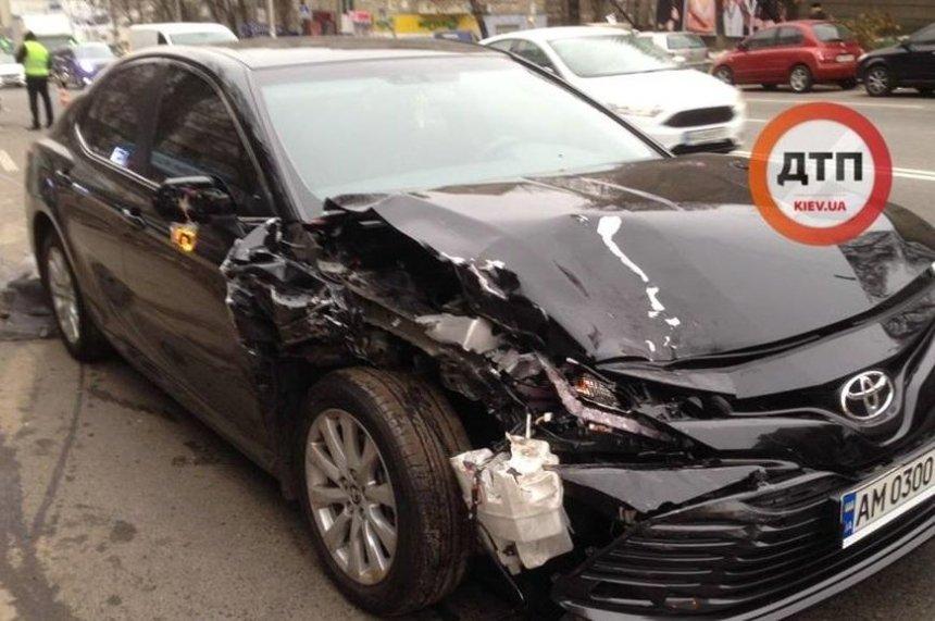 Возле «Васильковской» водитель протаранил несколько авто (фото, видео)