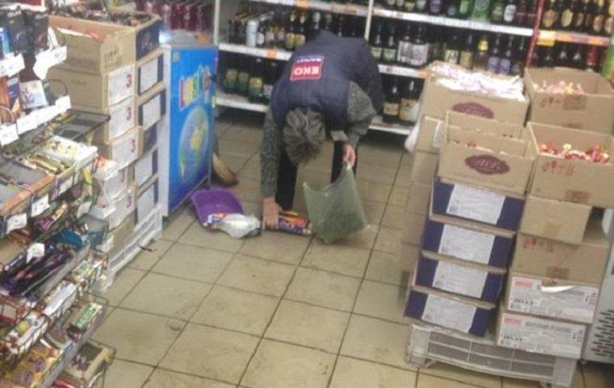 Из-за отказа продать алкоголь на Дорогожичах устроили погром (фото)