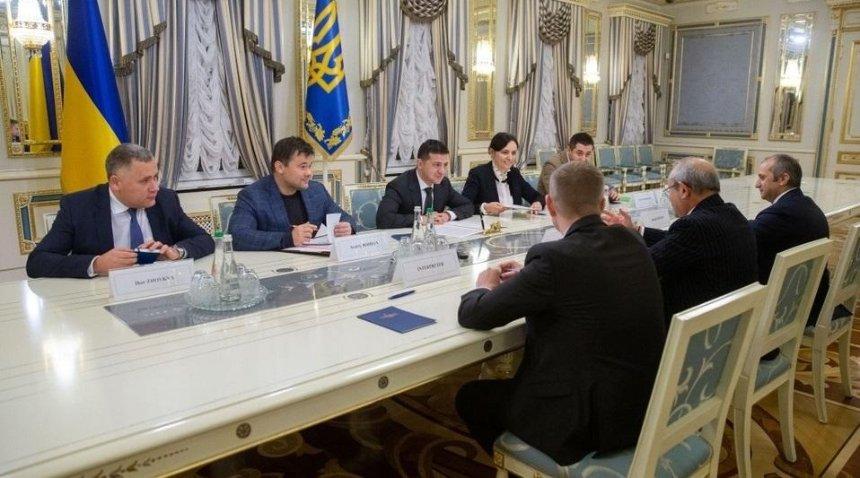 Зеленский предложил египетскому миллиардеру купить отели «Украина» и «Днипро»