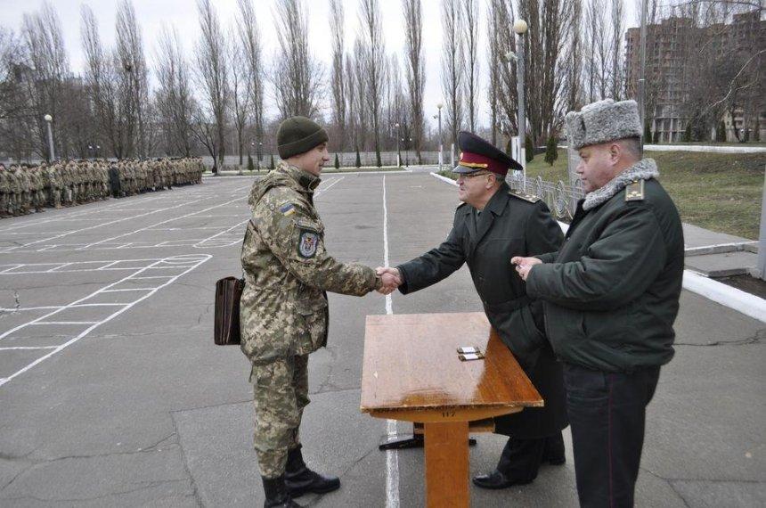 Украинские прапорщики станут штаб-сержантами