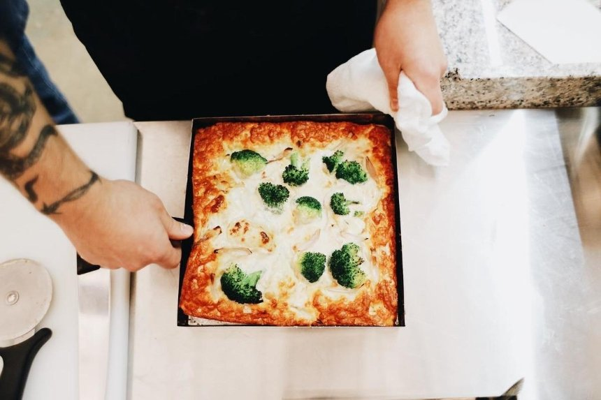 Новое место: доставка пиццы от T.C.Pizza на Гончара
