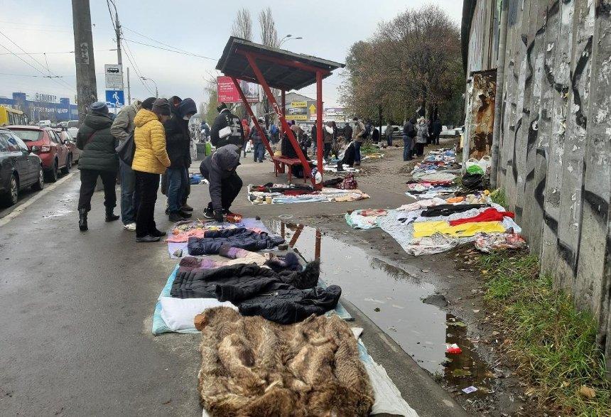 Столичные торговцы нашли способы обойти карантин «выходного дня»