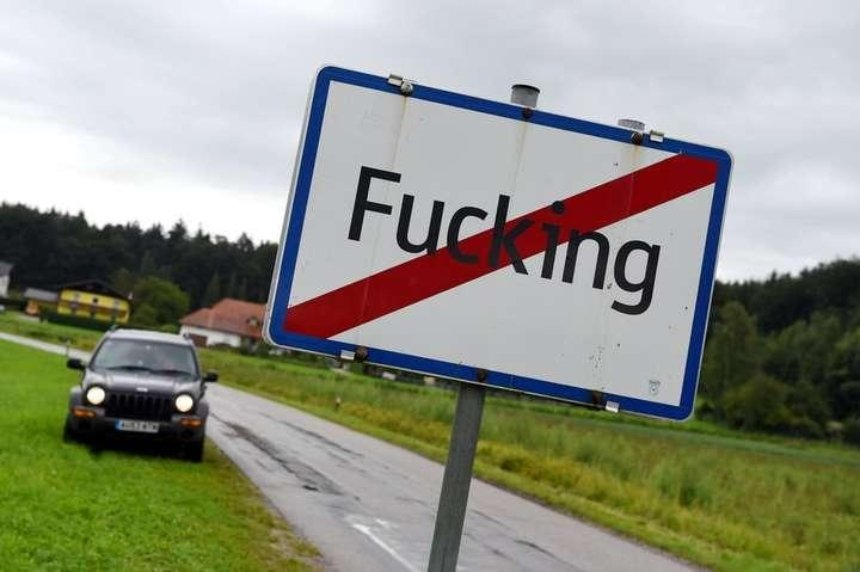 Австрийская деревня Fucking сменит название из-за шутников и краж вывесок