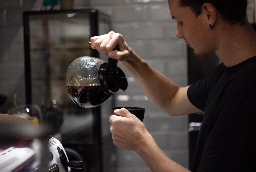 Новое место: кофейня Casual Coffee с конопляным кофе на Большой Житомирской