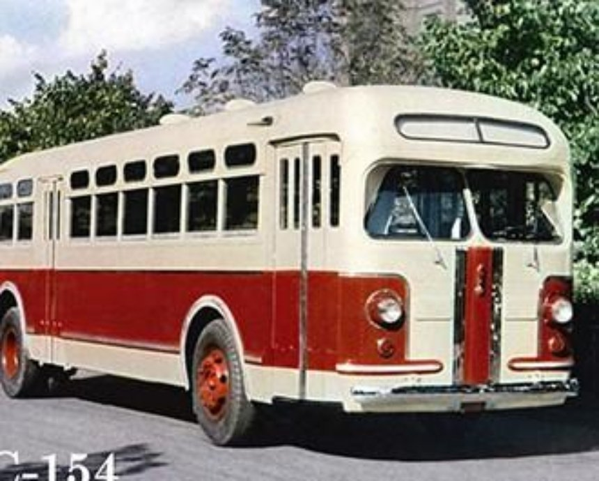 Сегодня киевскому автобусу исполнилось 90 лет
