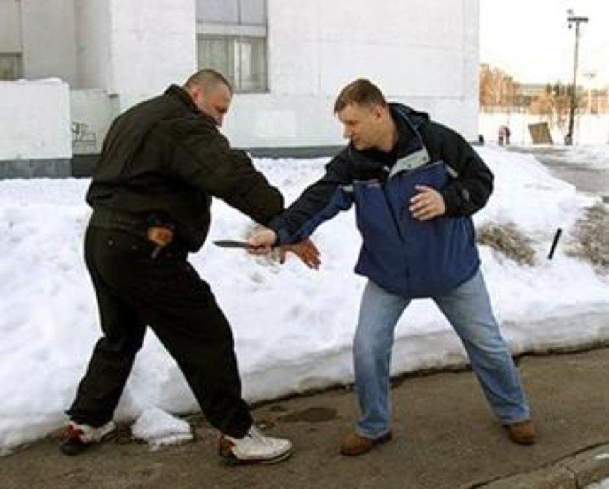 Депутатов Киеврады научат драться подручными средствами