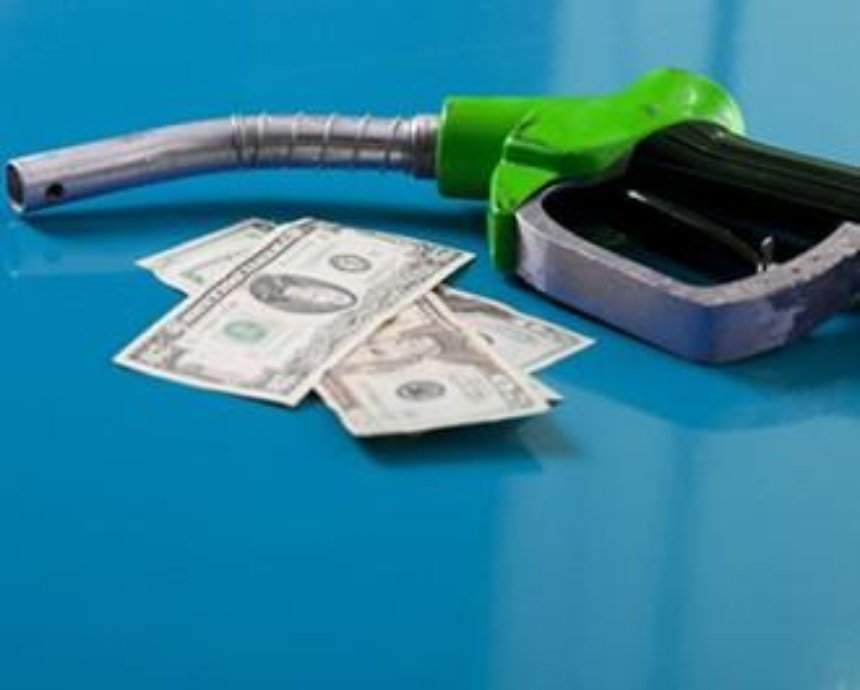В Киеве чиновники брали взятки бензином