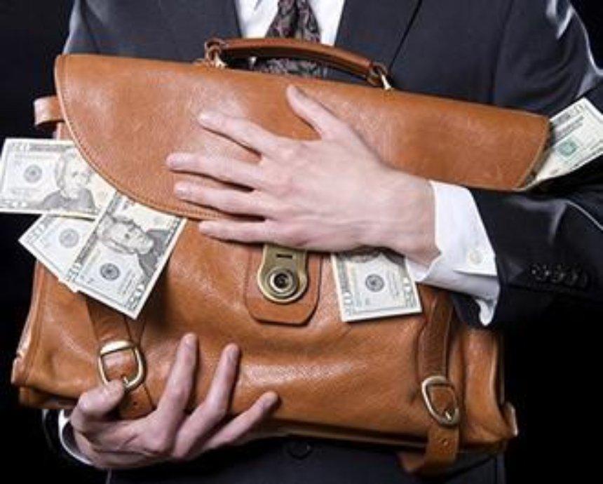 В Киеве вор стащил портфель у мужчины прямо в ресторане