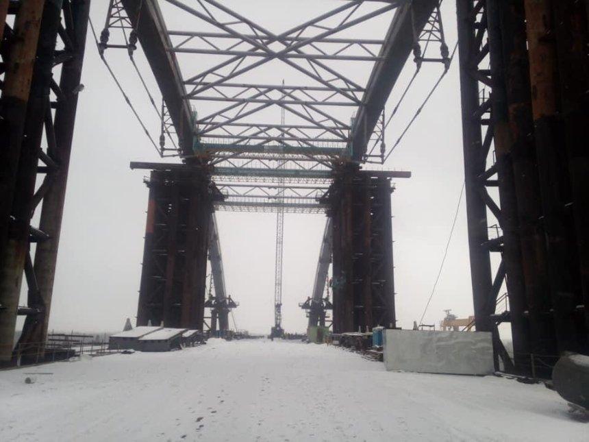 В КГГА говорят, что Подольский мост строят с опережением графика (фото)