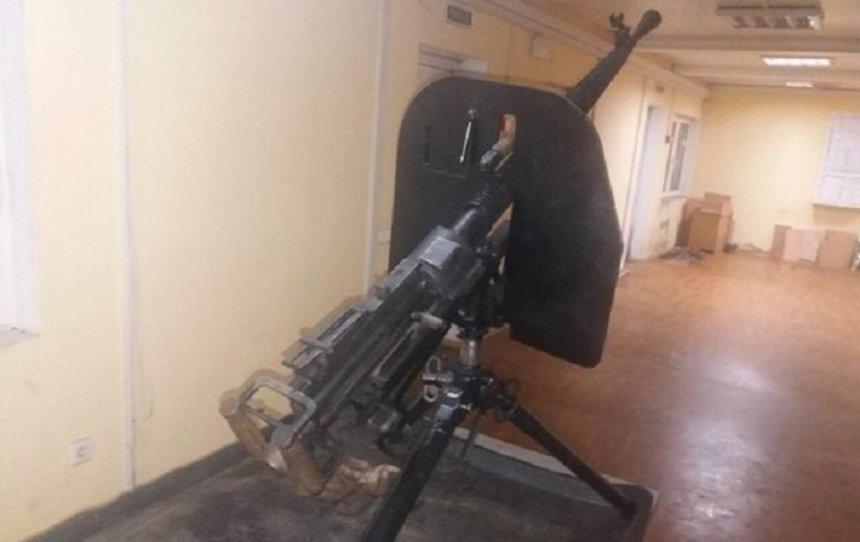 Мужчина пытался вывезти в Россию пулемет (фото)
