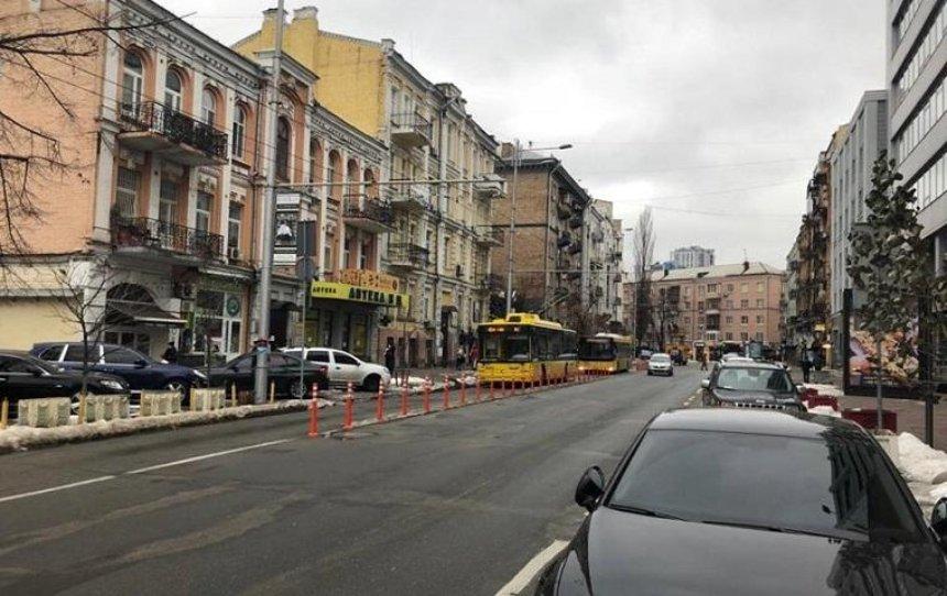 По виділеній лінії на Шота Руставелі поїхав громадський транспорт (фото)