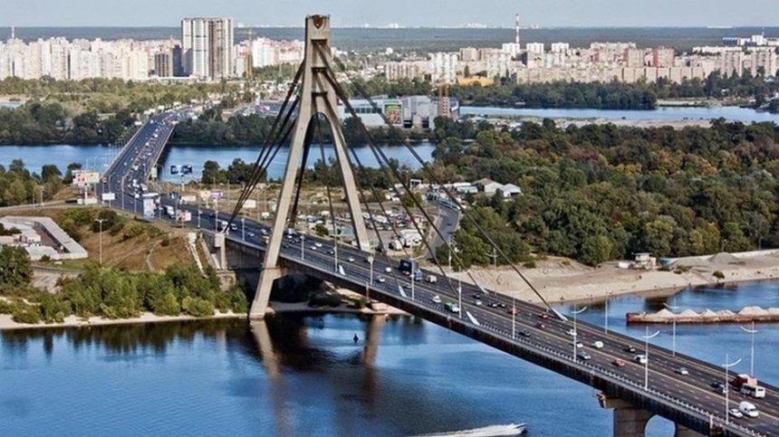 В Киеве ограничат движение на Северном мосту