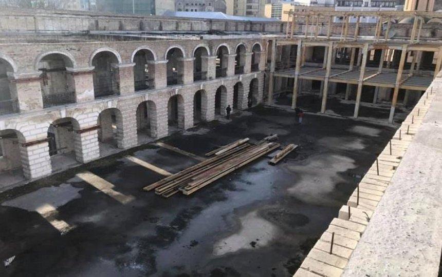 Активисты показали, как выглядит Гостиный двор изнутри (фото)