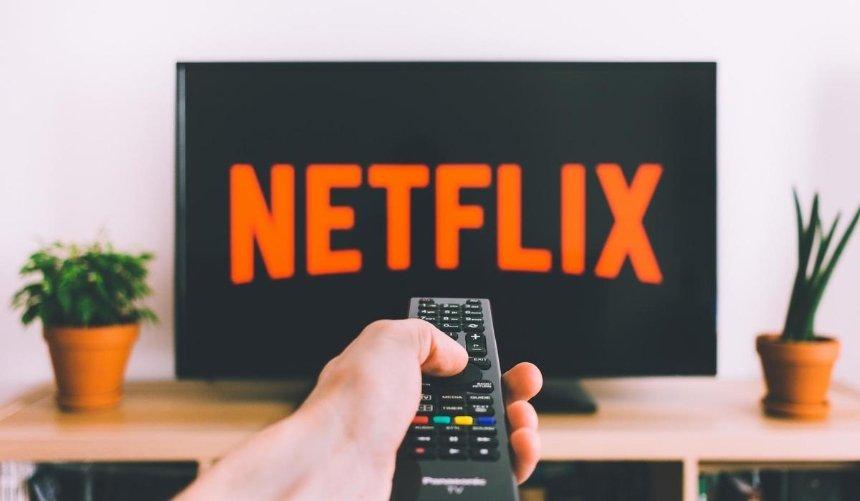 Врусскоязычной версии Netflix исправили ошибку «наУкраине» после обращения киевлянина