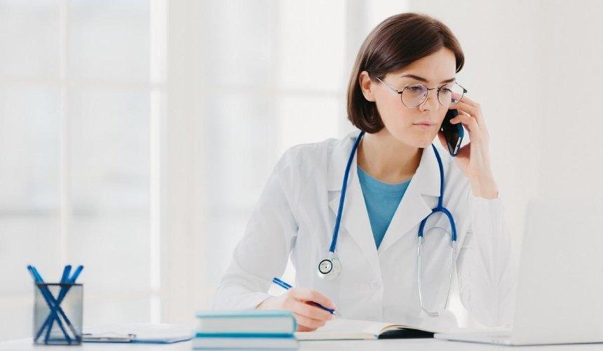 На«горячей линии» МОЗ теперь можно получить консультацию врача: как это сделать